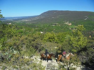 Week End à cheval PROVENCE : BIEN ÊTRE ET RANDONNEE EQUESTRE DANS LE LUBERON