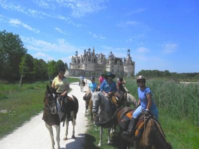 horseback trail ride loire castles